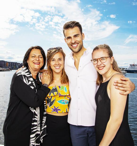 GOD STØTTE: Kim er glad for den god støtten fra mamma Bente og søstrene Liza og Mari. Foto: Tor Lindseth