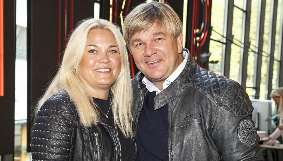 ORDENTLIG SYKE: Henning Solberg og kona Maud fikk virkelig kjenne corona på kroppen. Foto: Andreas Fadum / Se og Hør