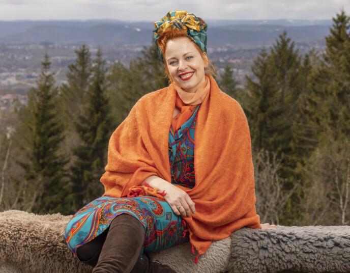 FARGERIK: Silya Nymoen har smuglet med seg en leppestift. Foto: Morten Bendiksen