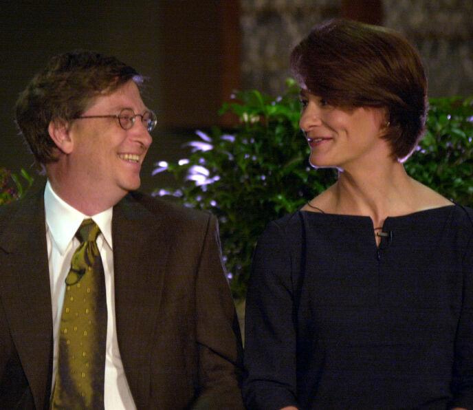 LANGT EKTESKAP: Ekteparet, som har vært gift i 27 år, virket tilsynelatende svært lykkelige sammen i åra de delte med hverandre. Nå skal de skilles. Foto: Elaine Thompson / AP Photo / NTB