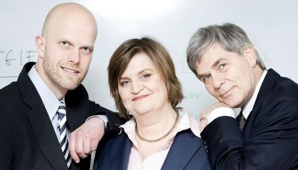 BLE BORTE: Christian Vennerød (til høyre) var i mange år ekspert i «Luksusfellen» - så forsvant han. Her med Hallgeir Kvadsheim og Elin Ørjasæter. Foto: TV3