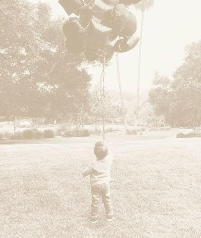 BURSDAGSBARN: I går fylte hertugparets sønn Archie to år. Foto: Hertuginne Meghan og prins Harry / Archewell