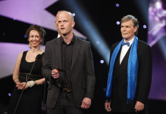 VANT: I 2010 vant «Luksusfellen» Gullruten-pris. Her er Vennerød med ekspert Hallgeir Kvadsheim under utdelingen. Foto: Bjørn Erik Larsen / NTB