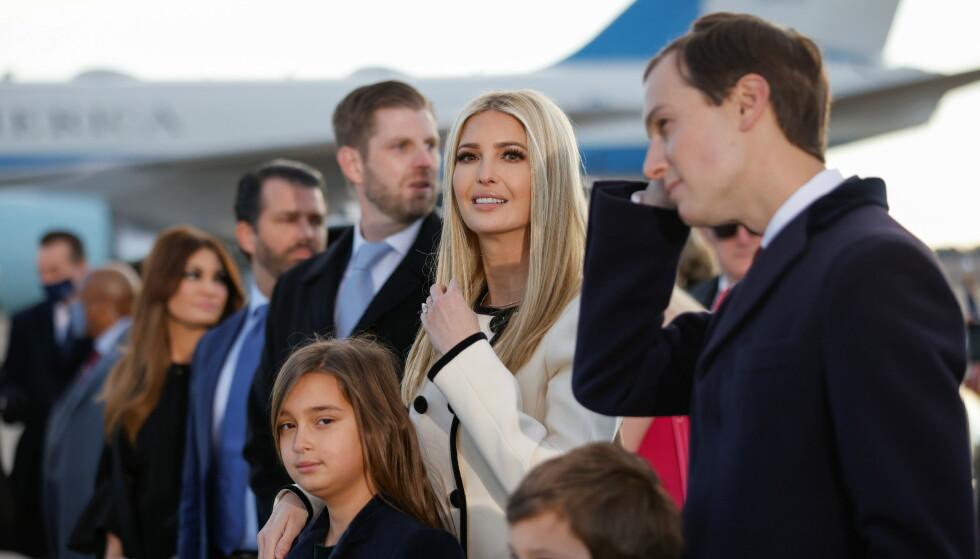 KOSTER FORTSATT SKATTEPENGER: Secret Service beskytter Donald Trumps fire barn fortsatt. Her er Ivanka Trump med ektemannen Jared Kushner og deres barn. Foto: Carlos Barria/Reuters/NTB