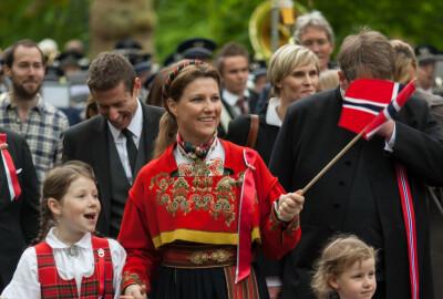 Image: Märtha fører tradisjonen videre