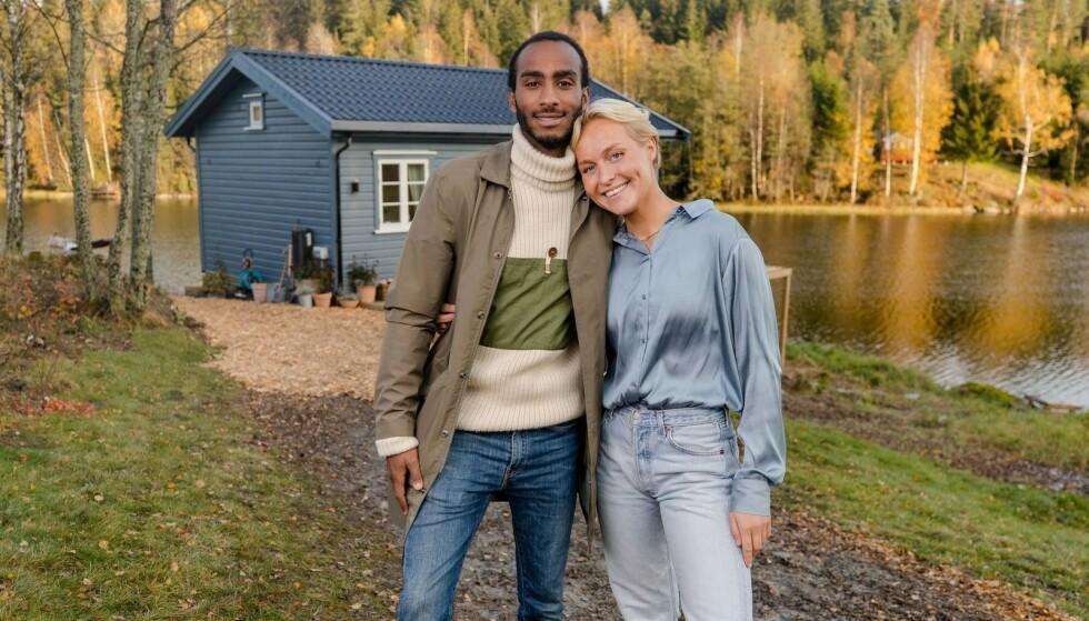 VINNER: Øyunn Krogh og kjæresten Levi Try vant «Sommerhytta» sesong 4 og fikk beholde hytta de bygde. Foto: TV 2