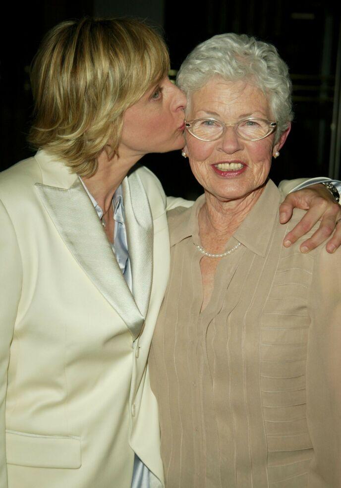 FIKK KREFT: Ellens mor Betty fikk på 70-tallet brystkreft. I mai fllet hun 90 år. Her avbildet i 2004. Foto: Matt Baron/BEI/REX/NTB