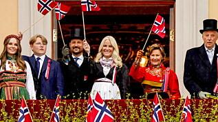Image: Sang nasjonalsangen med folket