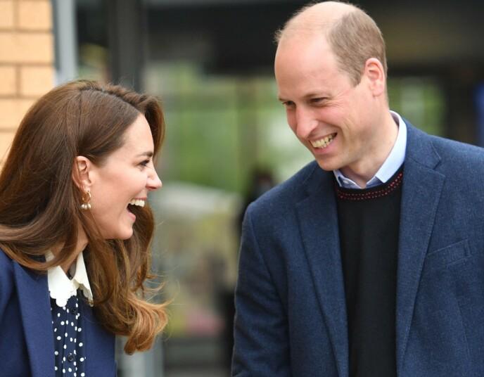 BEUNDRES: Prins Williams nakne overarm fikk fansen nærmest til å sikle. En fan mente at armen var grunnen til at hertuginne Kate alltid så glad ut. Foto: Jacob King / Pool / AFP / NTB