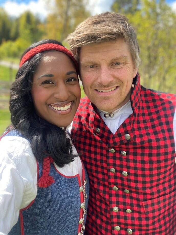 LYKKELIG PAR: Siri og Erik Avlesen-Østli står sammen i tykt og tynt. Paret giftet seg i 2013. Foto: Privat