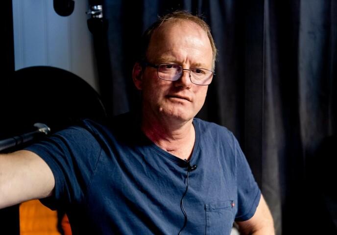 KRITISK: Terje Leer, som måtte legges i kunstig koma etter å ha blitt smitta av coronaviruset, er langt fra begeistra for dem som velger å brenne munnbind og demonstrere mot coronarestriksjonene. Foto: Lars Eivind Bones / Dagbladet