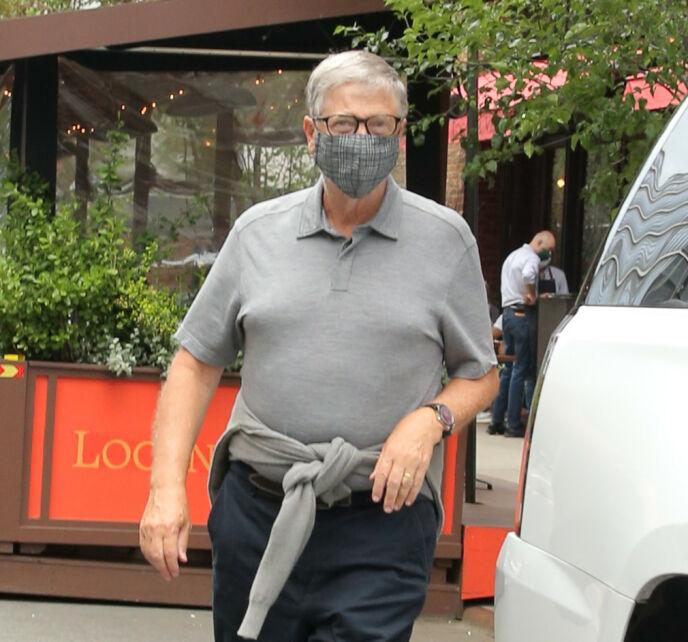 FØRSTE GANG: 65-åringen har holdt en lav profil siden bruddet. Denne helgen viste han seg imidlertid for første gang. Foto: Christopher Peterson / SplashNews / NTB