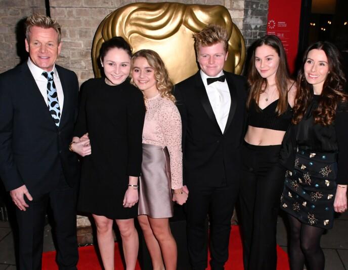 KJENT FAMILIE: Gordon Ramsay sammen med barna Megan, Matilda, Jack og Holly og kona Tana. Foto: Nils Jorgensen/REX/NTB