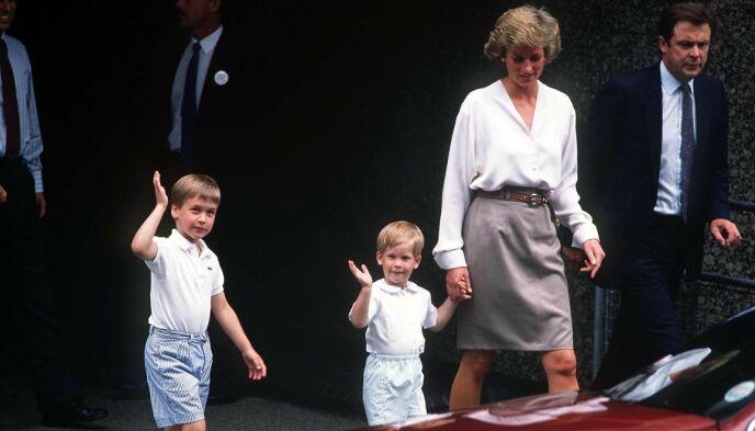 MISTET MOREN: Prinsesse Diana døde i 1997 og etterlot sønnene William og Harry i stor sorg. Her avbildet i 1988. Foto: REX / NTB