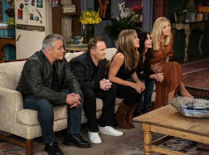 TILBAKE: Vennegjengen var endelig tilbake på settet, 17 år etter seriens slutt. Foto: Terence Patrick / HBO Max via AP / NTB