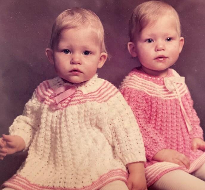 TVILLINGER: Trude og Trine ble født i 1980. Foto: Privat