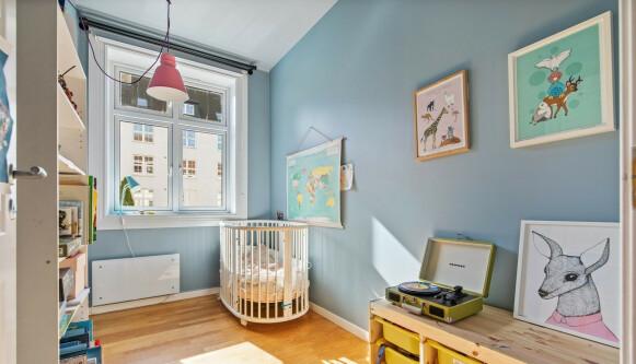 BARNEROMMET: Et av de fire soverommene er et barnerom. Foto: Mats Bakken / Inviso AS