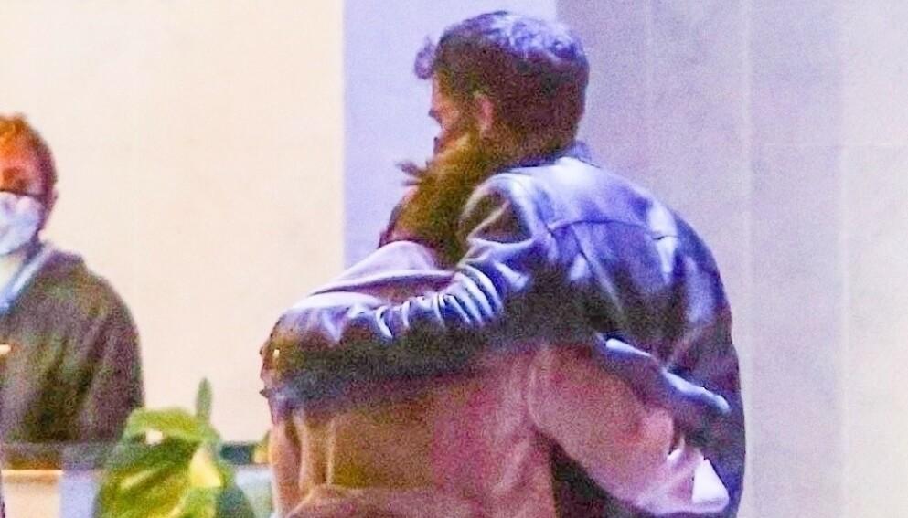 GJENFORENT?: Denne uken ble Jennifer Lopez og Ben Affleck observert på vei til en restaurant i Hollywood sammen. Foto: Backgrid USA / NTB