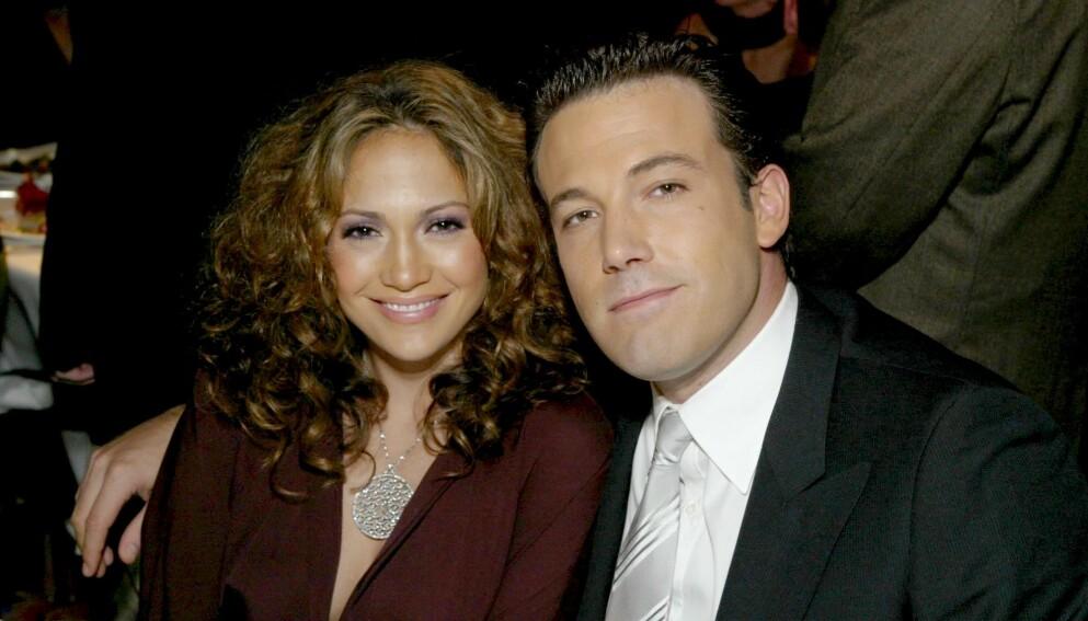 GAMLE KJÆRESTER: Lopez og Afflecks gamle romanse ser ut til å ha blusset opp igjen. Her er de i 2003, da de var forlovet. Foto: Alex Berliner / Bei / REX / NTB