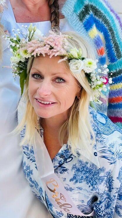 BRIDE TO BE: Merete under eget utdrikningslag i helgen. Foto: Privat
