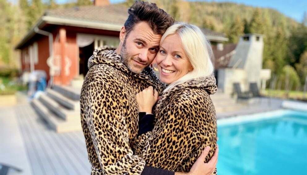 PÅ FLYTTEFOT: Artist Marian Aas Hansen og samboeren Zelimir Kulisic avslører overfor Se og Hør at de flytter fra Norge. Foto: Bjørn Bjørkli