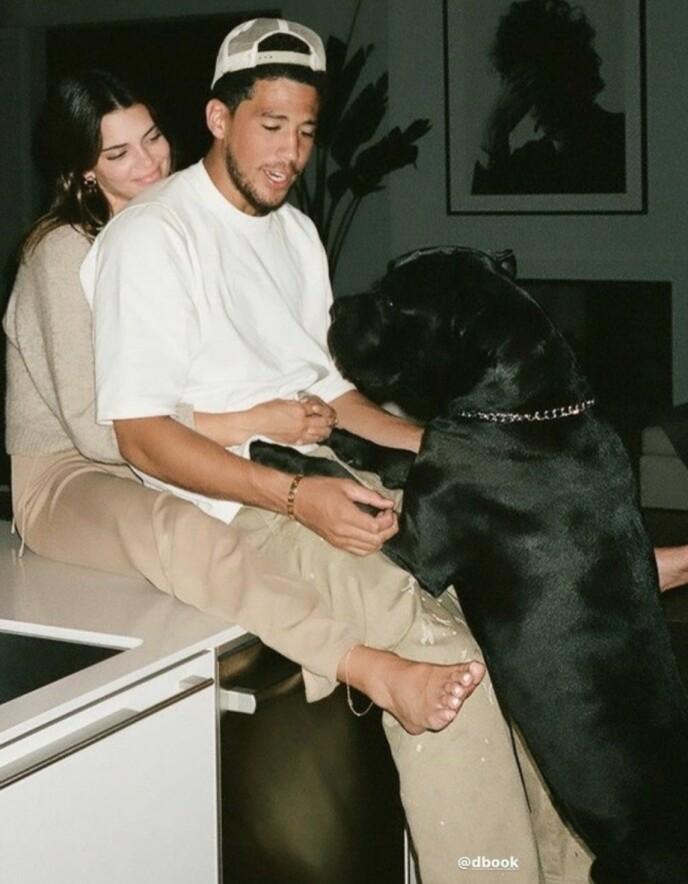 KJÆRESTER: I helgen feiret Kendall Jenner og Devin Booker ett år som kjærester. Foto: Skjermdump fra Instagram