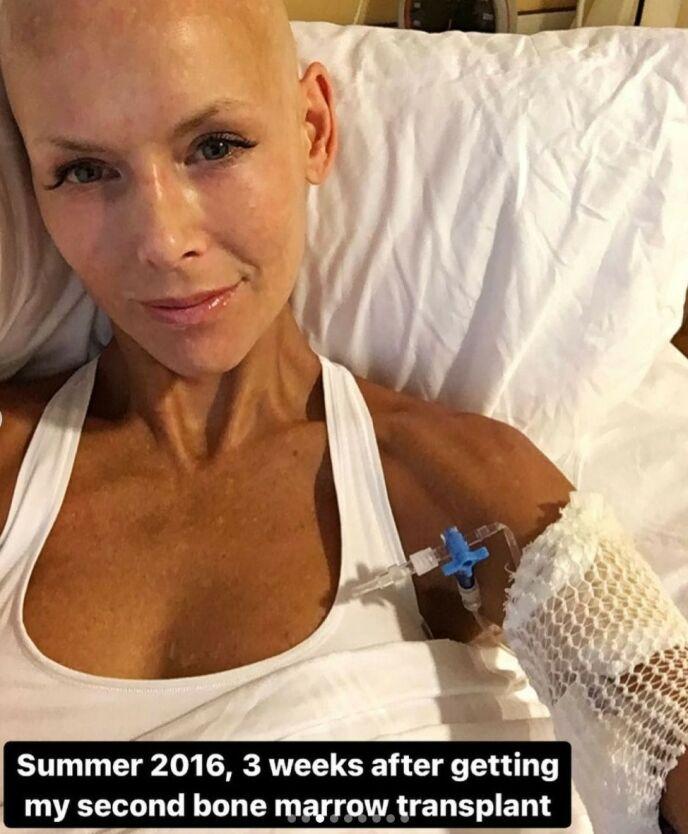 TRANSPLANTASJON: I 2016 fikk 42-åringen sin andre beinmargstransplantasjon. I dag er hun friskere enn noen gang. Foto: Gjengitt med tillatelse fra Instagram