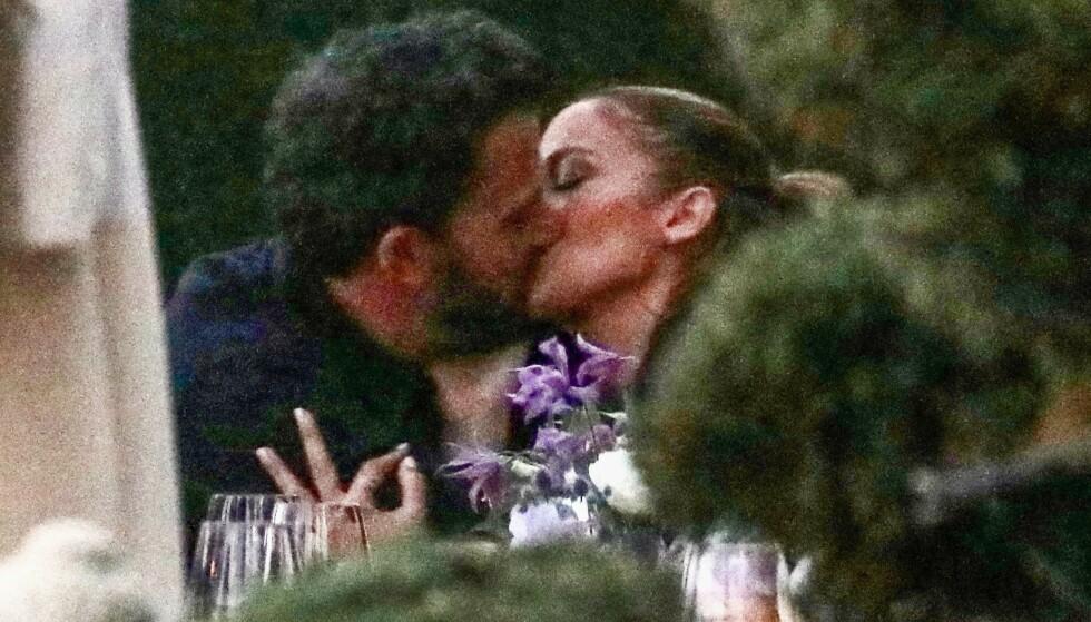 SAMMEN IGJEN?: Ben Affleck og Jennifer Lopez klarte ikke å skjule sine følelser for hverandre. Foto: Backgrid USA/NTB