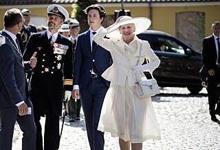 Dronningen med uventet kjoleblemme: - Maks uheldig
