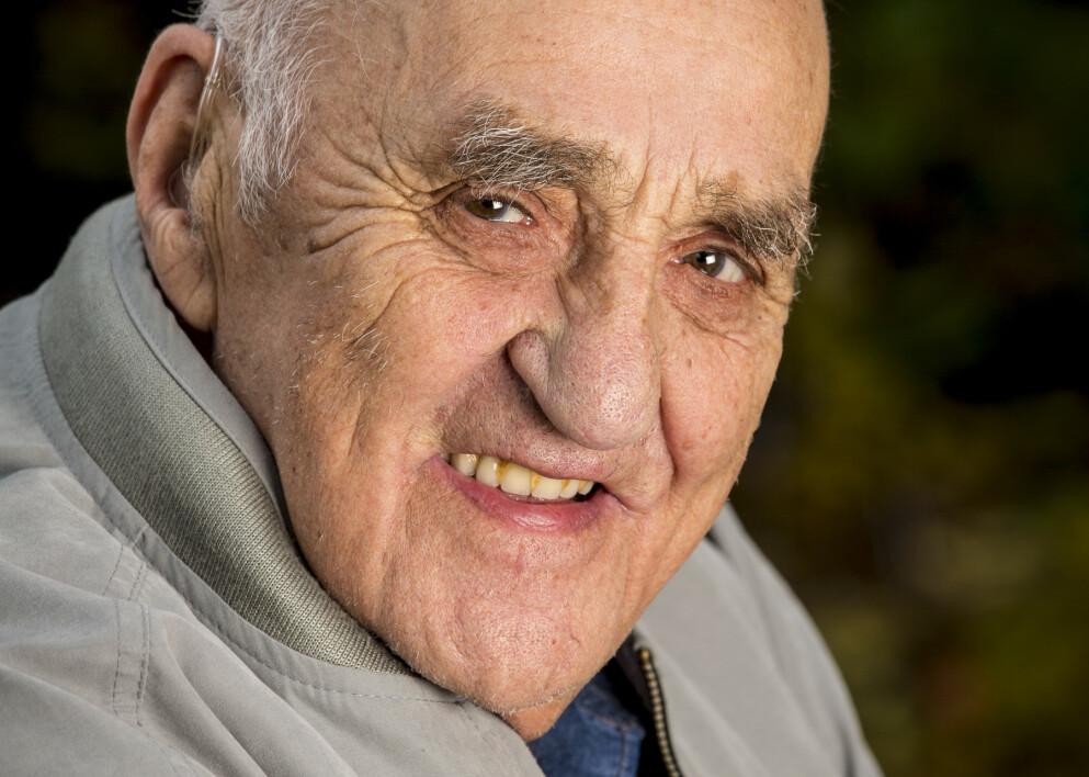 GIKK BORT: Joralf Gjerstad er død. Han ble 95 år gammel. Foto: Tor Lindseth / Se og Hør