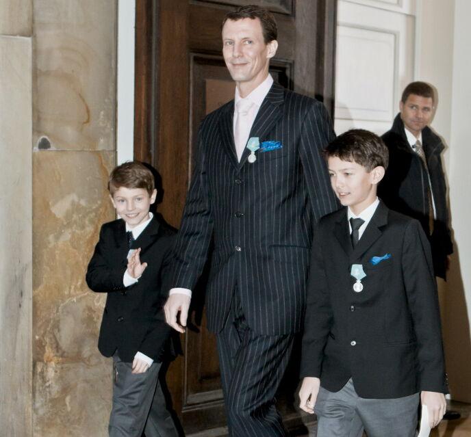 GUTTA KRUTT: Prins Joachim med sønnene Felix og Nikolai i 2012.Foto: Krister Sørbø/NTB