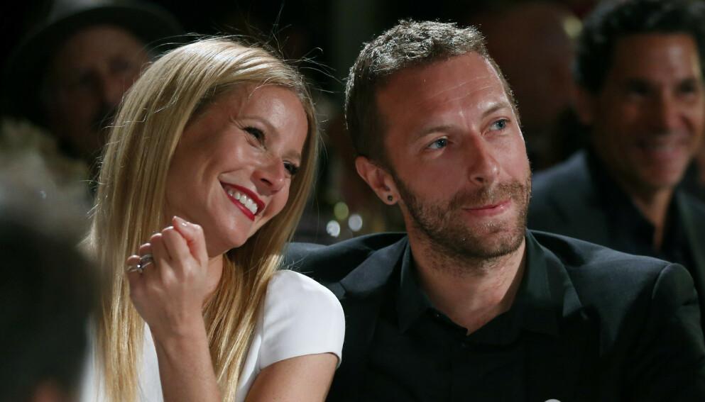 NÆRE VENNER: Her er Gwyneth Paltrow og Chris Martin avbildet bare noen måneder før de gikk fra hverandre i 2014. Foto: Colin Young-Wolff /Invision/AP/NTB