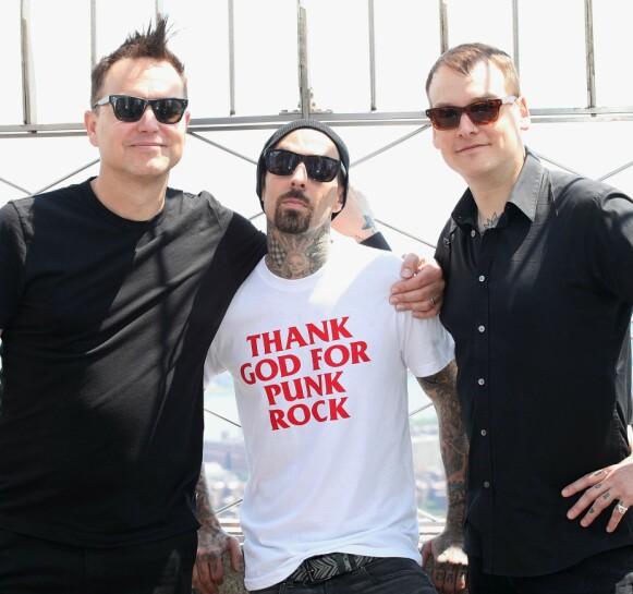 FIKK KREFTBESKJED: Mark Hoppus (til venstre), sammen med bandkameratene i Blink-182, Travis Barker og Matt Skiba. Foto: Mediapunch/REX/NTB
