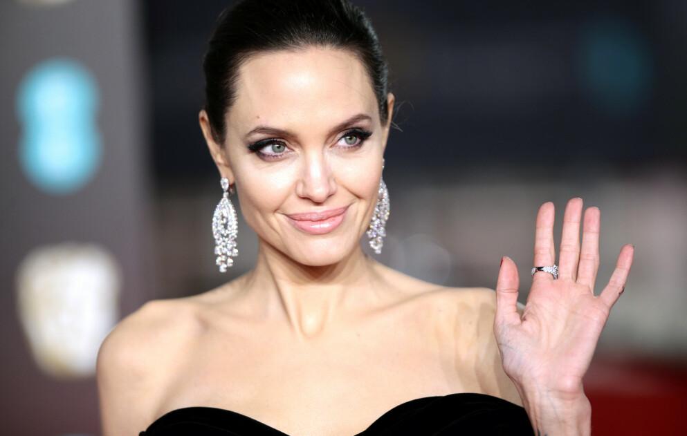 REAGERER: Skuespiller Angelina Jolie opplevde diskriminering da datteren Zahara skulle gå gjennom en operasjon nylig. Foto: Yui Mok / Pa Photos / NTB
