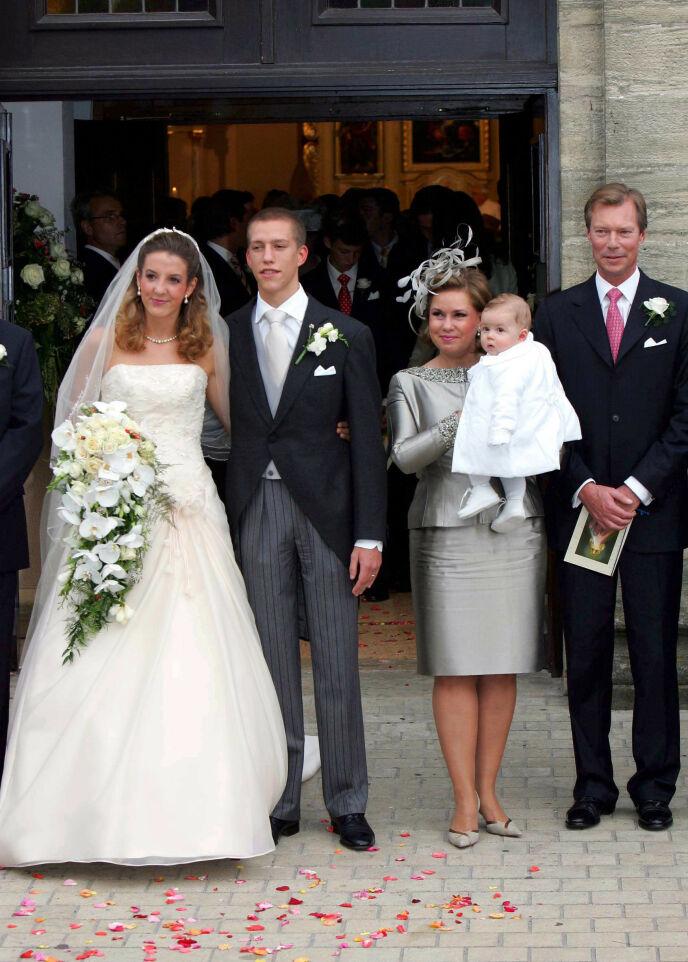 2006: Slik så det ut da Tessy og prins Louis giftet seg i 2006. Her sammen med storhertugparet Maria Teresa og Henri, samt eldstesønnen Gabriel. Foto: Frank Rollitz / REX / Shutterstock / NTB