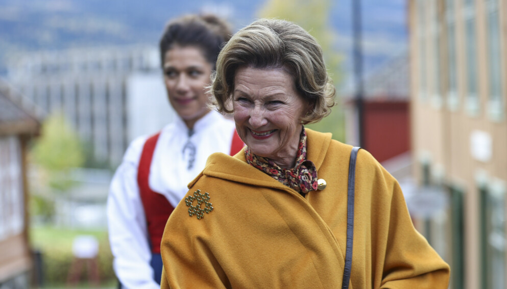 BURSDAG: Dronning Sonja fyller 84 år i dag. Av Se og Hørs kongehusekspert beskrives hun som verdens sprekeste dronning. Foto: Geir Olsen / NTB