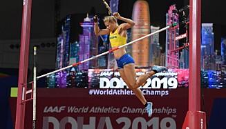 SVEV: Michaela Meijer på vei over lista under VM i Doha i 2019. Foto: Kirill KUDRYAVTSEV / AFP)