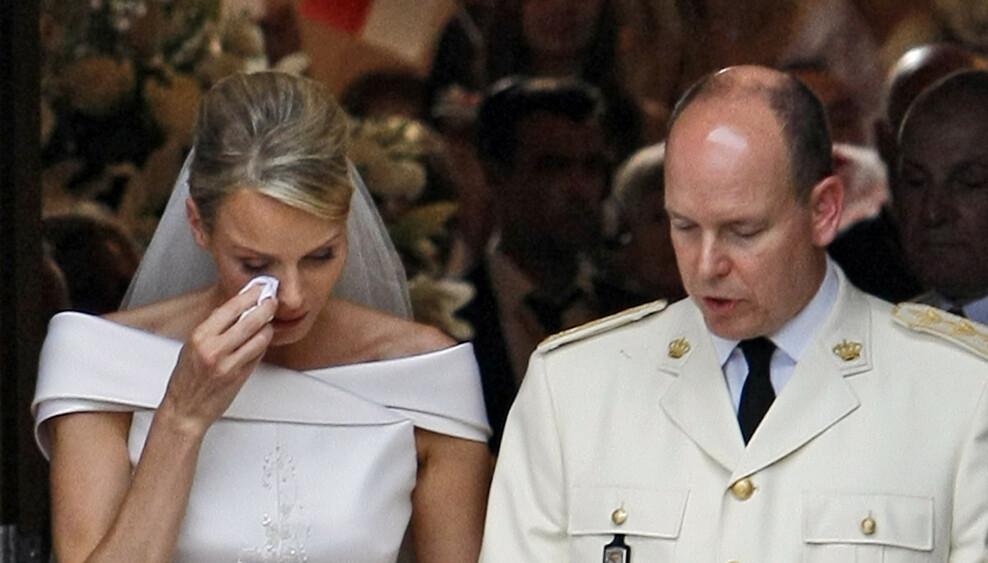 TURBULENT EKTESKAP: Fyrstinne Charlene strigråt i sitt eget bryllup for ti år siden. Har Albert nå blitt rammet av den mørke spådommen som kan ha ødelagt ekteskap i mange generasjoner?