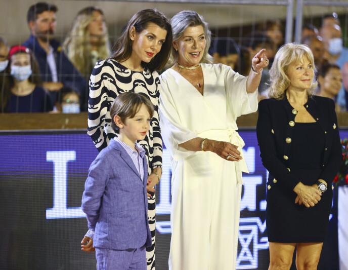 KONGELIGE GJESTER: Prinsesse Caroline så ut til å trives i rampelyset. Foto: Mandoga Media / DPA / NTB