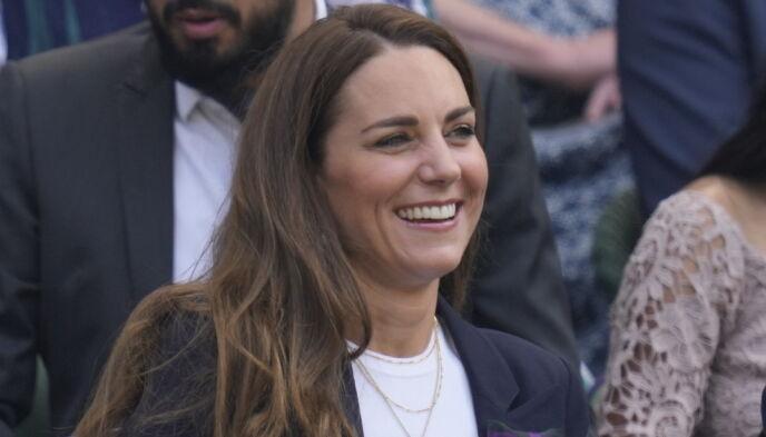 FØR ISOLASJON: Hertuginne Kate på tennis-turnering før hun måtte i isolasjon. Foto: AP/NTB