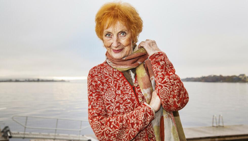 ELSKET AV ALLE: Elsa Lystad er en av Norges mest folkekjære skuespillere. Venninnene mener det er vondt å miste henne, bit for bit, til sykdommen. FOTO: Morten Eik
