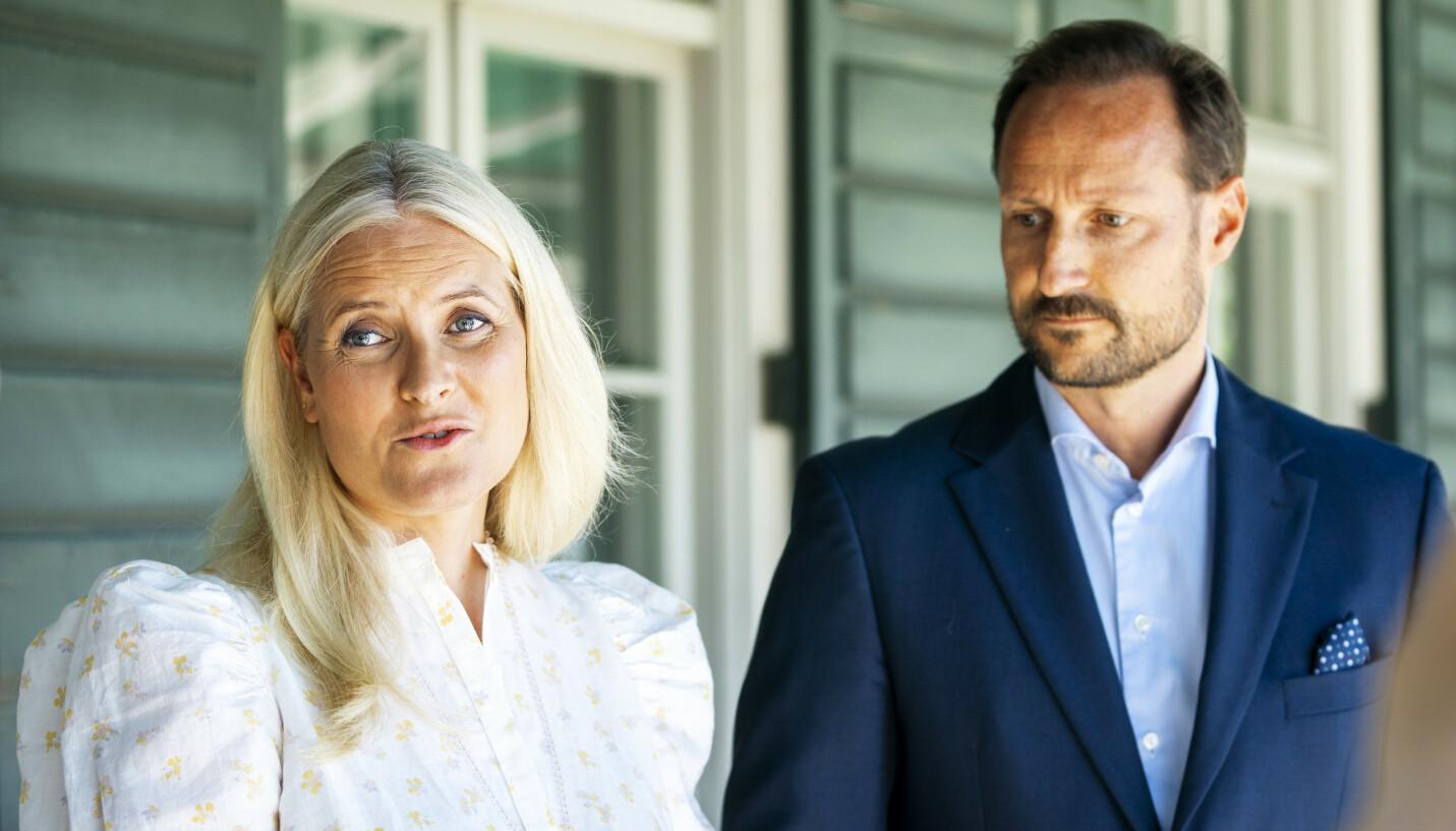 TI ÅR SIDEN: Den 22. juli 2011 ble Norge rammet av terroren. Nå raser kronprinsparet mot hetsen mange av Utøya-ofrene har blitt utsatt for.