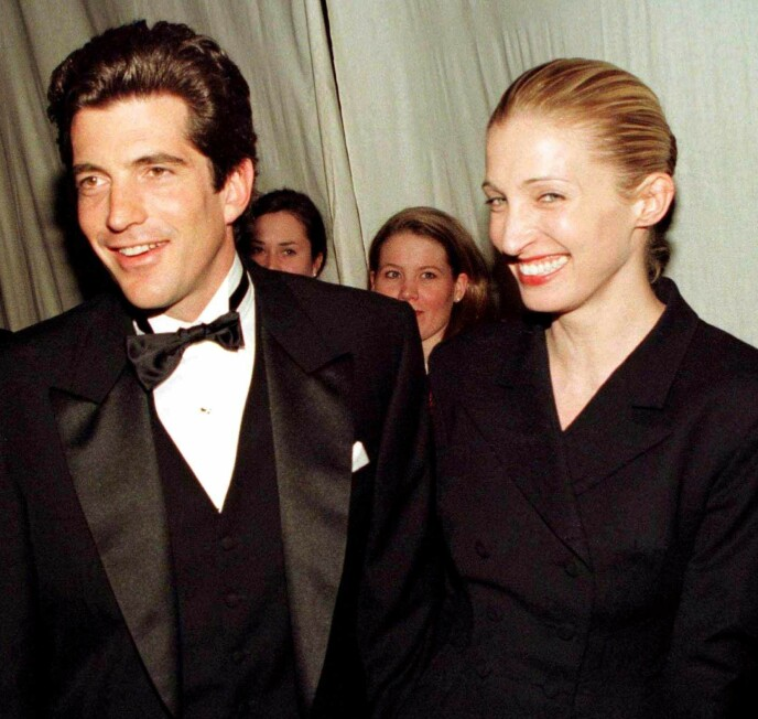 OMKOM: Carolyn Bessette og John F. Kennedy Jr. rakk bare å være gift i tre år, før de omkom i flyulykken 16. juli 1999. Foto: Mike Segar / Reuters / NTB