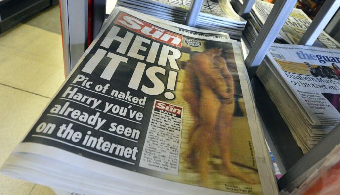 SKANDALE: Nakenbildene av prins Harry ble trykket på forsiden av The Sun. Foto:Toby Melville/REUTERS/NTB