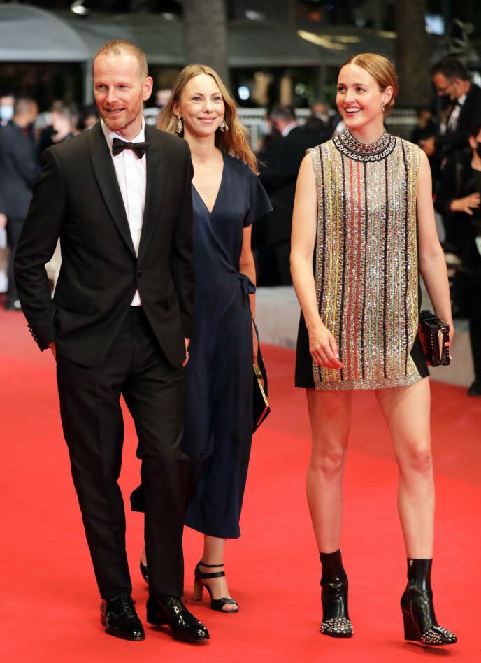 STRÅLTE: Renate Reinsve sammen med regissør Joachim Trier i Cannes nylig. Foto: Reinhard Krause / Reuters / NTB