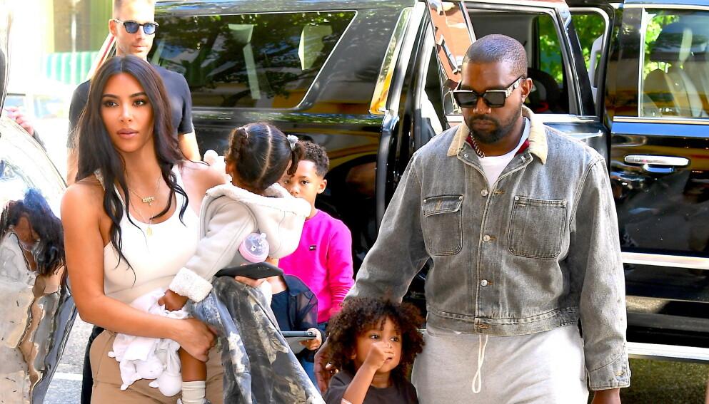 GJENFORENT: Kim Kardashian og Kanye West gikk fra hverandre i februar. Nå er de imidlertid sett sammen igjen. Foto: DIGGZY / SplashNews / NTB