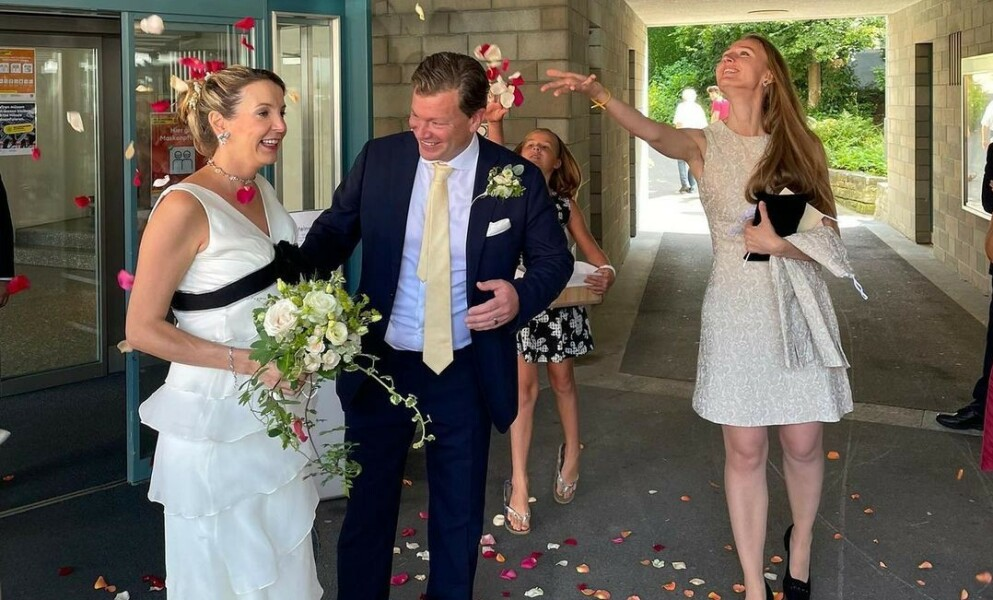FOR ANDRE GANG: Tidligere prinsesse Tessy av Luxemburg fikk sin Frank Floessel i Sveits sist fredag. De venter for tiden også sitt første barn sammen. Foto: Skjermdump fra Instagram