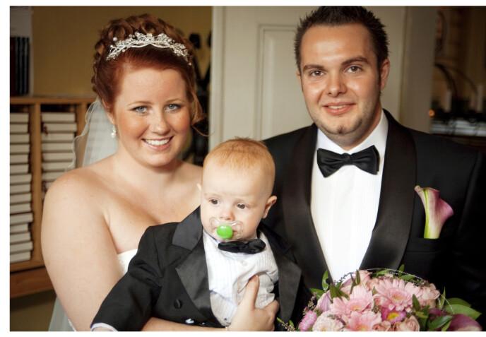 HOLDER SAMMEN: June-Maria ble gravid som 17-åring – og gift på sin egen 19-årsdag. Foto: Privat