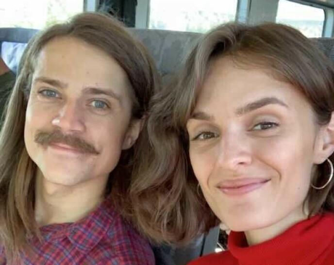 SMILER BREDT: Eirik Havnes og Jenny Langlo gleder seg til den store dagen på lørdag. Foto: Privat