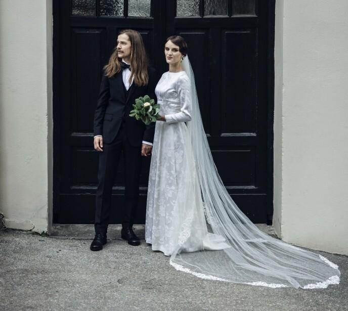LYKKELIG PAR: Eirik Havnes og Jenny Langlo er storfornøyd med den store dagen. Foto: Odin Jæger